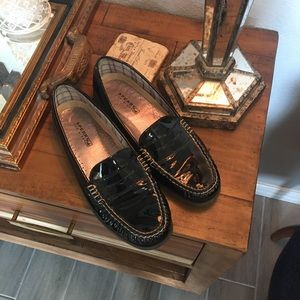 Perry top sider  black loafers